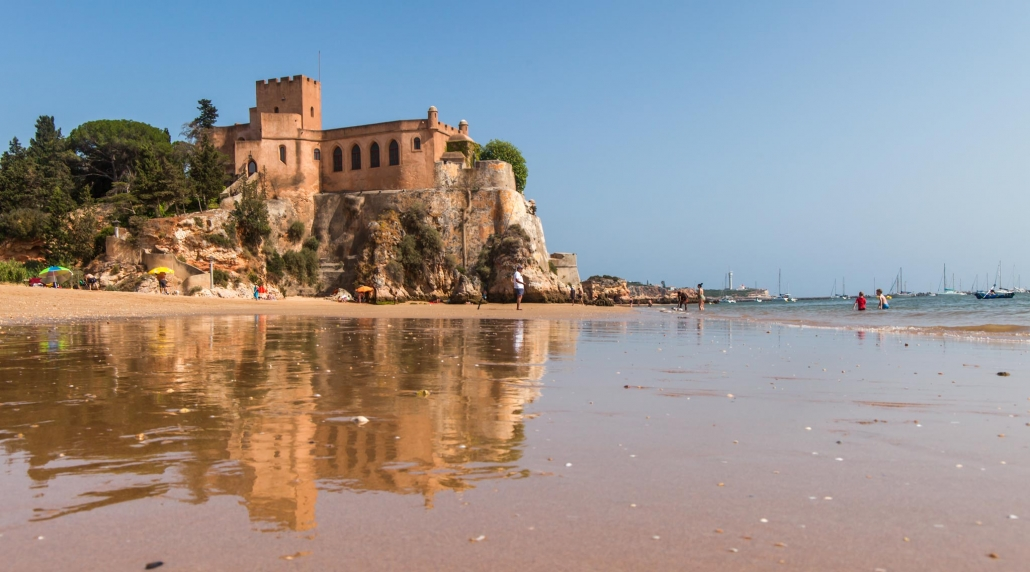 The castle above Ferragudo beach